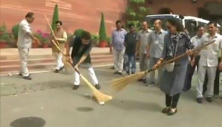 Swachh Bharat Hema Malini
