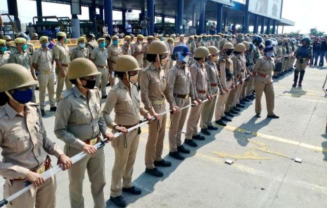 Heavy Police Deployment at Delhi-UP Border in Noida