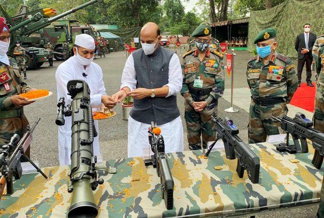 Rajnath Singh performs Shastra Puja at at Sukna War Memorial in Darjeeling