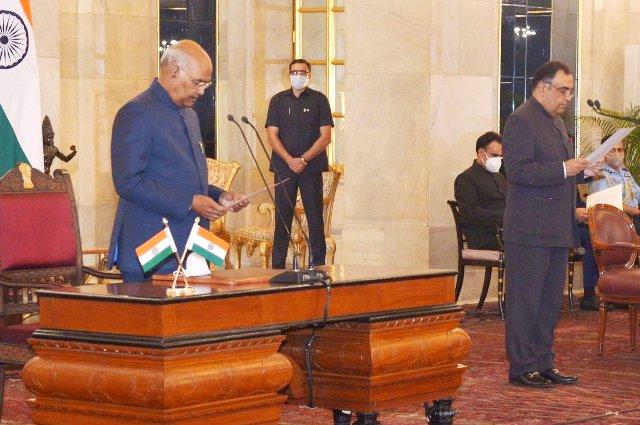 Yashvardhan Kumar Sinha takes oath as Chief Information Commissioner