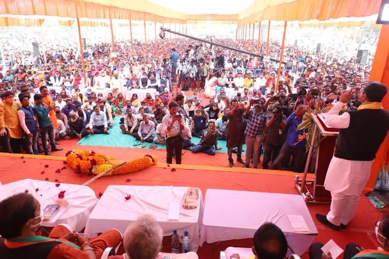 Dharmendra slams Odisha Govt at Krushak Sammilani
