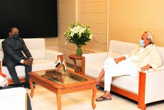 CAG of India, Girish Chandra Murmu calls on Odisha Chief Minister Naveen Patnaik in Bhubaneswar
