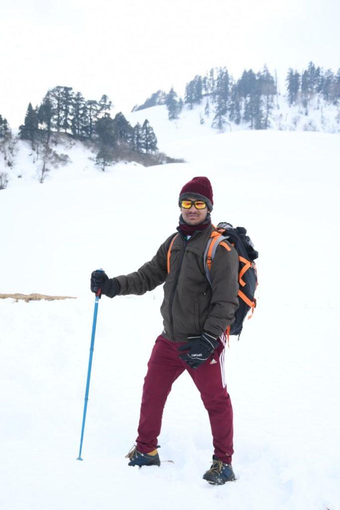 Odia Youth Unfurls National Flag On Himalayas' Dayara Bugyal1