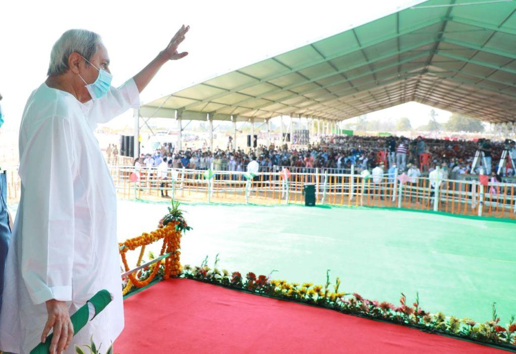 Odisha CM Naveen Patnaik launches slew of projects worth Rs. 2085 crore in Kalahandi.
