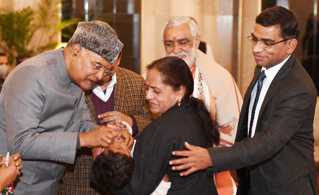 President Kovind launches the first round of Pulse Polio Programme 2021 by administering Polio drops to children at Rashtrapati Bhavan
