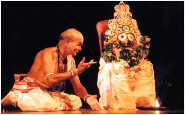 Tribute to Legendary Guru Kelucharan Mohapatra