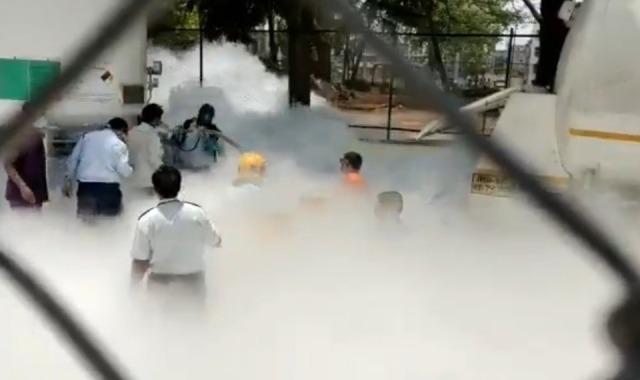 100-Word Edit: Oxygen Crisis grips India