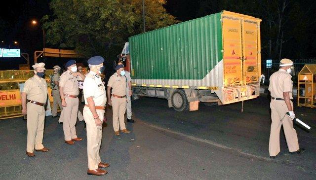 CM Arvind Kejriwal announces Weekend Curfew in Delhi