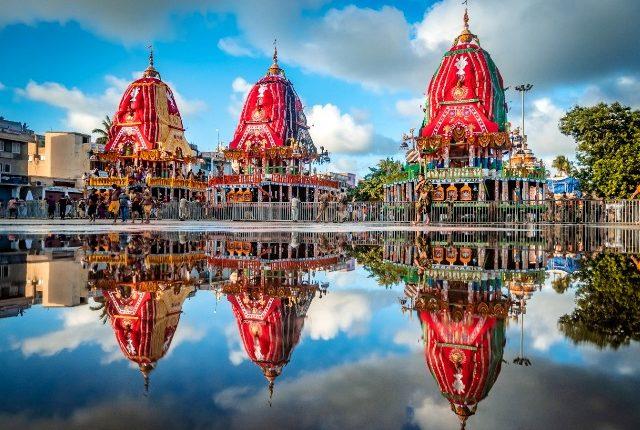 All three chariots of Trinity reach Gundicha Temple in Puri