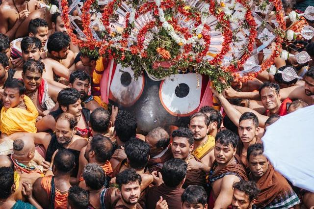 Bahuda Jatra, homecoming of deities from Gundicha Temple to Srimandir underway...