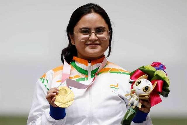 Shooter Avani Lekhara becomes first Indian Woman to win Gold at Paralympics